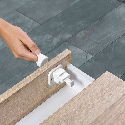 Reer zelfklevend magneetslot met montagehulp | (2 stuks + sleutel)
